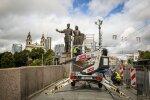 На следующей неделе решат, сохранять ли скульптуры с Зеленого моста