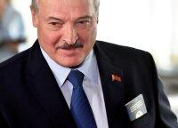 Сын Лукашенко ударил соперника клюшкой между ног в присутствии белорусского президента
