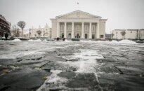 Dramatiškas vakaras Vilniaus centre: iš smurtaujančio vyro gniaužtų išgelbėjo merginą