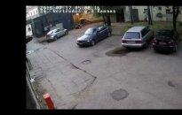 Видеокамеры в Каунасе засняли жестокость подростков: в числе хулиганов была и девушка