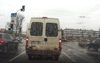 Nufilmavo susidūrimą Vilniuje: judrioje sankryžoje BMW partrenkė dviratininką