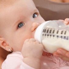 Išradinga mama sugalvojo, kaip panaudoti pieno mišinukų pakuotes