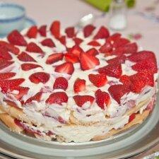 Pats skaniausias nekeptas braškinis tortas