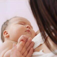Monikos gimdymas: pavojingą komplikaciją atpažino po pokalbio mamyčių forume
