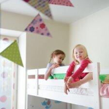Dviaukštė lova vaikams: kaip išvengti nelaimės