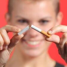 Patarimai tėvams, kad vaikas nepradėtų rūkyti