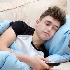 Kiek miego reikia paaugliams, o kiek jie paprastai miega
