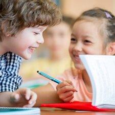 Dr. A. Landsbergienė – apie drąsų žingsnį atsisakyti dviejų mokymo metodų, kurie tradicinėje mokykloje būtini