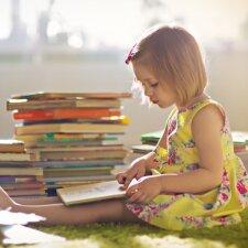 Psichoterapeutas: vaiko pažintis su knyga turi prasidėti dar jam būnant įsčiose