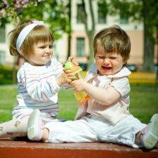 Mano vaikas muša ir skriaudžia kitus: ką man daryti?