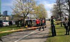 В Вильнюсе перевернулся автомобиль