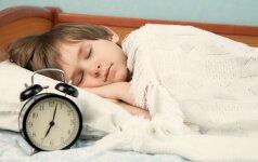 Kaip laikrodžio persukimai veikia vaikus: 5 patarimai iš patirties