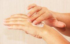 Kaip tinkamai drėkinti odą?