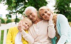 Psichologė: kaip pasikeičia santykiai su mama, kai pati tampi mama