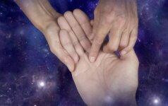 Sugniaužk delną ir pažiūrėk: santykių linijos, pranašaujančios laimingą santuoką