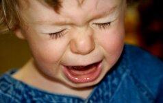 Vaikas nenori eiti į darželį: versti ar nusileisti?