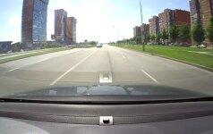 Klaipėdoje keistas vairuotojo elgesys sutrikdė kitą eismo dalyvį
