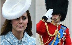Pirmasis K.Middleton pasirodymas viešumoje po gimdymo (Papildyta+FOTO)