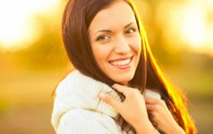 Keičiantis sezonams vienas odos priežiūros įprotis turi likti visuomet