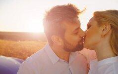 Gydytojos ginekologės I. Kravčenkienės patarimas: daugiau bučiuokitės!