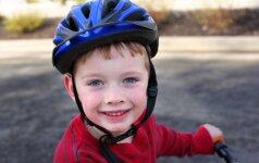 Ką reikia žinoti prieš pradedant vaiką mokyti važiuoti dviračiu? (video)