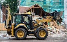 В Старом городе Каунаса сносят нелегальные постройки