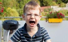 Vaikas užsispiria ir neklauso tėvų: ką patars psichologė