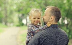 Kaip auginti mergaitę: instrukcija išmintingam tėčiui