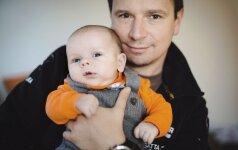 4 vaikų tėtis Antanas Juknevičius gimstant sūnui nesulaikė ašarų