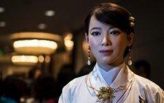 Робот-богиня провалила первое интервью