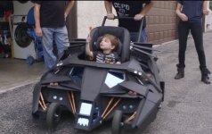 ĮSPŪDINGA: vaikiškas vežimėlis – Betmeno automobilio kopija (FOTO)