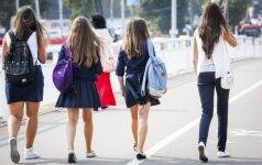 Из Литвы бегут даже школьники