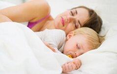 Kokius trūkumus turi vaikų migdymo metodai, kuriais žavisi daug šiuolaikinių mamų