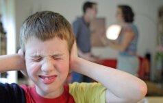 Kokias žaizdas iš vaikystės į gyvenimą atsineša tėvų neišmylėti vaikai
