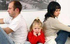 Kas nutinka, kai mama ir tėtis skirtingai auklėja vaiką