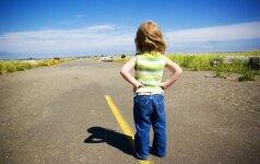 8 be galo svarbūs patarimai tėvams, kaip užauginti negandoms atsparų vaiką