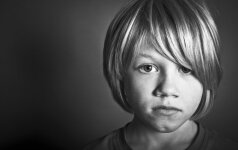 Kokių žodžių geriau nesakyti vaikui, kad jis augtų laimingas