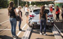 Merginų komanda: nebijome važiuoti, rizikuoti ir lenktyniauti