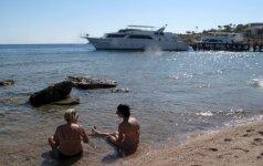 Выездной турпоток из России за лето сократился почти на треть