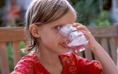 Kodėl vaikams rekomenduojama negerti kisieliaus, vynuogių ir apelsinų sulčių?