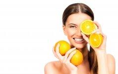 Vitamino C nauda odai – ji tampa skaistesnė, šviesesnė, tolygesnė ir ilgiau išlieka jauna