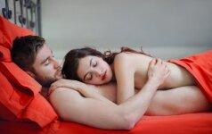 Kodėl kai kurioms poroms patartina miegoti atskirose lovose