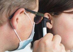Specialisto patarimai: kaip vasarą saugoti savo ausis nuo uždegimų