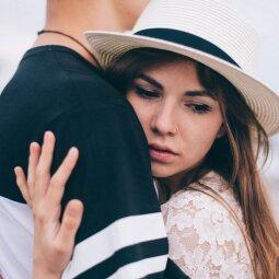 Daugybė dalykų, kurių pasiilgsta merginos, esančios poroje