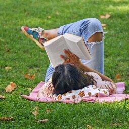 KONKURSAS BAIGTAS. Dalyvauk PANELĖS knygų klube ir laimėk gegužės mėnesio knygas!