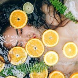 Maudymasis karštoje vonioje: kodėl tai ir smagu, ir naudinga?