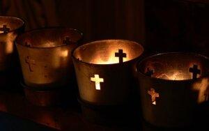 Žingsnis tarp naikinimosi ir klestėjimo: ką lietuviams rodo V. Šapranausko mirtis?