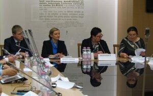 "National minorities vs. ""demonic"" Commission of the Lithuanian Language"
