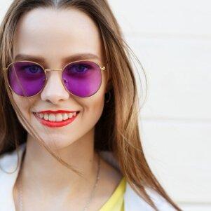 Aktualūs stilisto patarimai norinčioms išsirinkti tobulus akinius