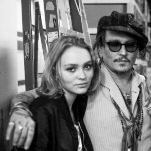 Johnny Deppo 16 - metė dukrelė neišvengė kritikos strėlių dėl išvaizdos (FOTO)
